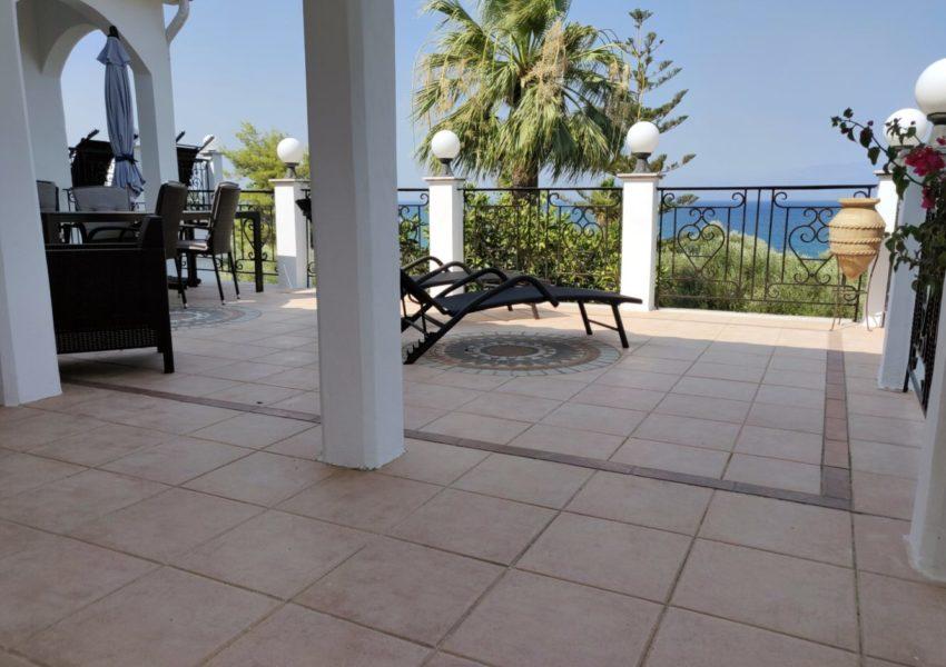 APT.1 veranda 001-min