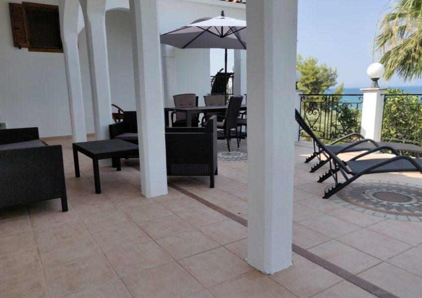APT.1 veranda 003-min