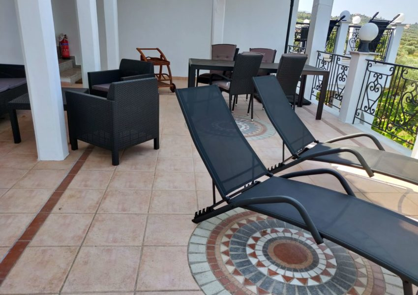 APT.1 veranda 004-min